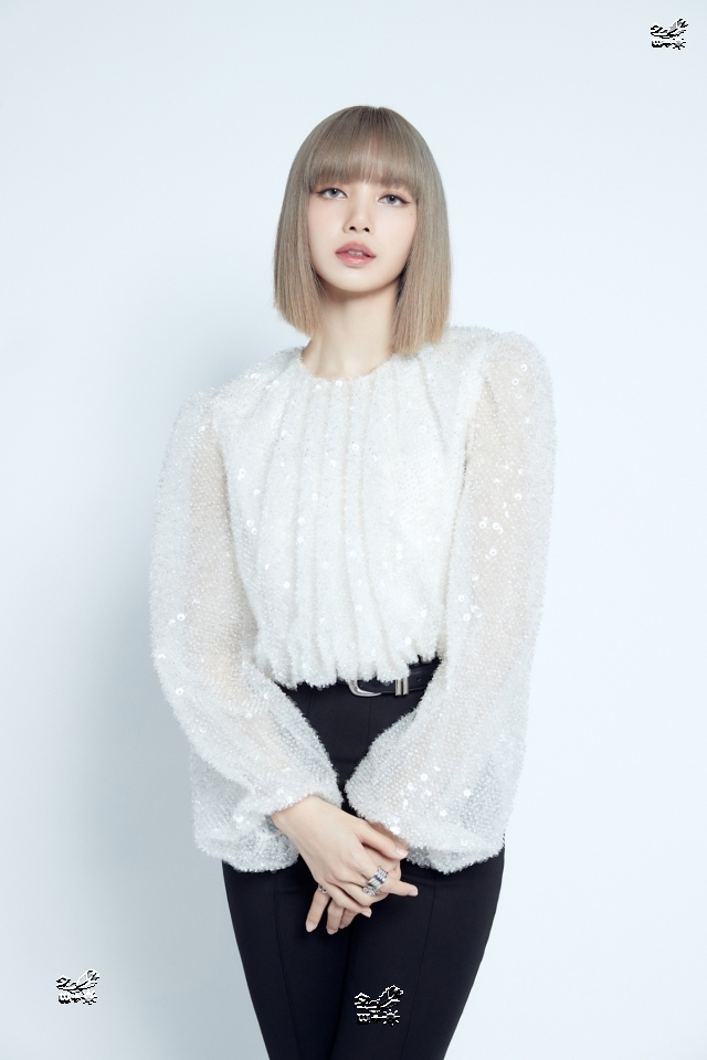 "BLACKPINK \""LISA綜合癥\"",《LALISA》銷量音源、泰國頭飾全面開花"