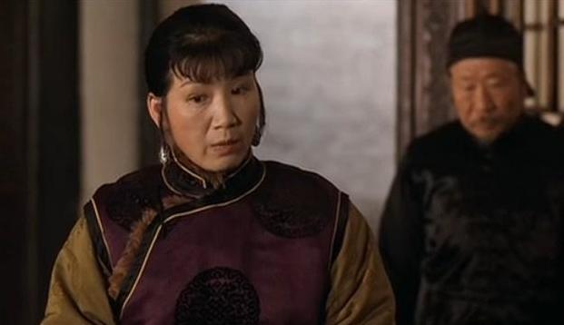 """张艺谋曾断言她""""红不了"""",不信命的她,终在74岁被赵丽颖捧红"""