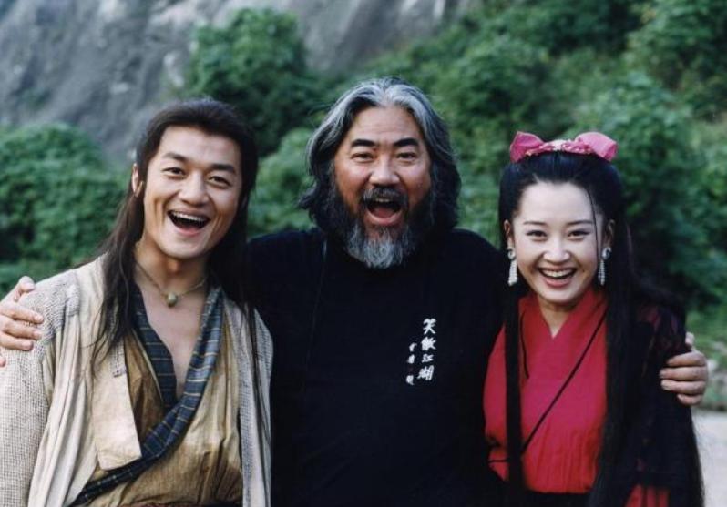 张纪中与邵兵20年恩怨纠缠:《笑傲江湖》换角风波,发生了什么?