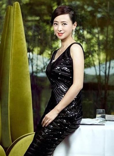 一个人人想娶的女星,古天乐曾苦苦追求而不得,如今52岁美得不像话!