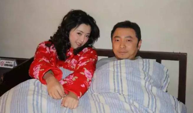 她插刀马蓉,曾拒杜淳,追大张伟,38天嫁富豪,却终身禁入迪士尼