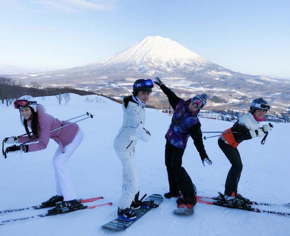 盘点最爱滑雪的明星,陈伟霆恨不得住滑雪场,王源无数次摔倒