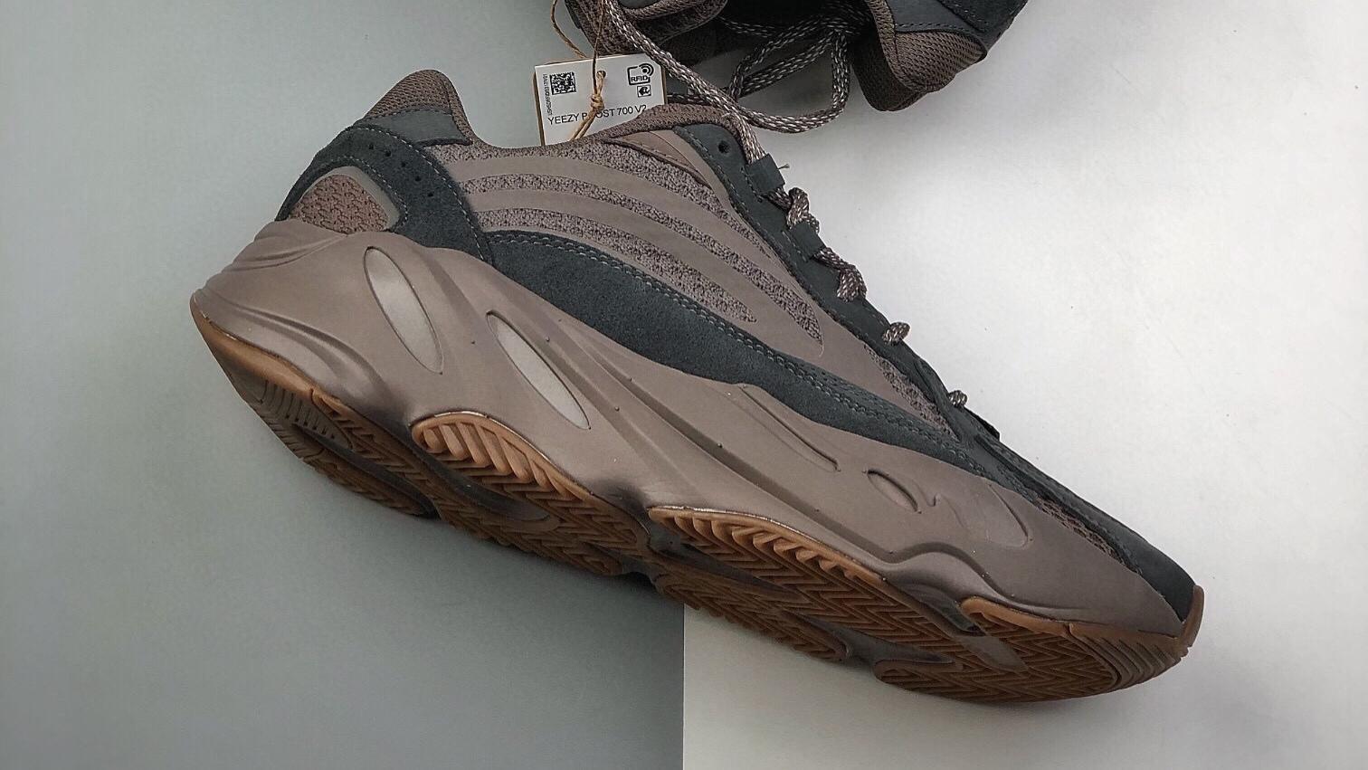 阿迪达斯 椰子700 adidas originals Yeezy Boost 700