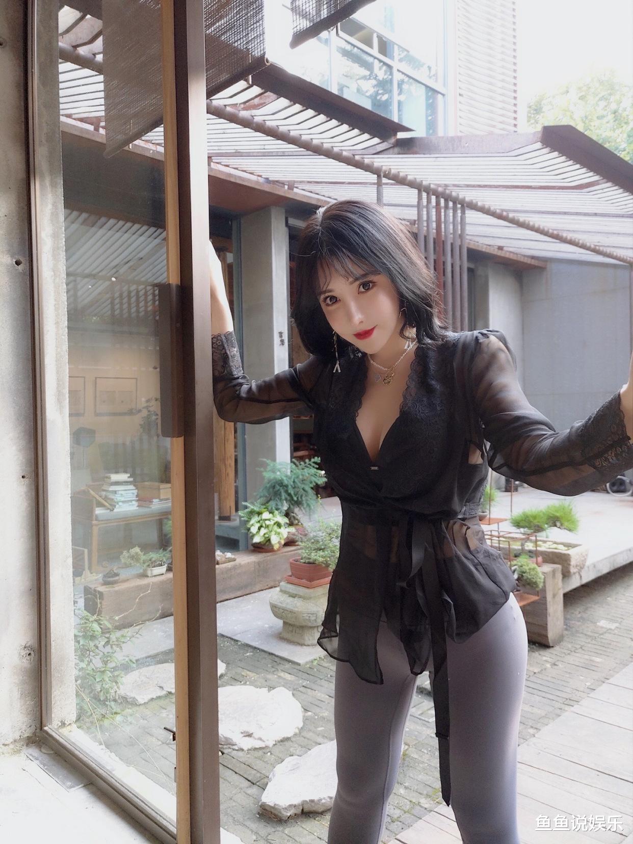 韩国娱乐新闻_底气十足的女孩子稀奇迷人