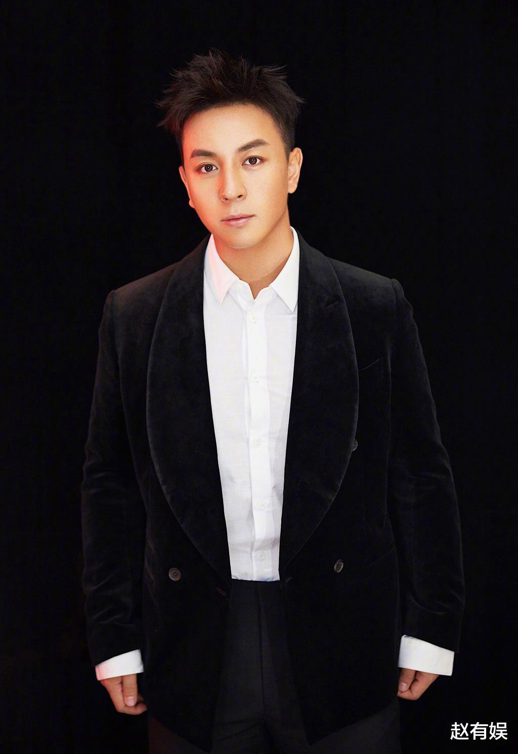 娱乐圈新闻_32岁的李小龙,回首往过,起劲而又谦逊