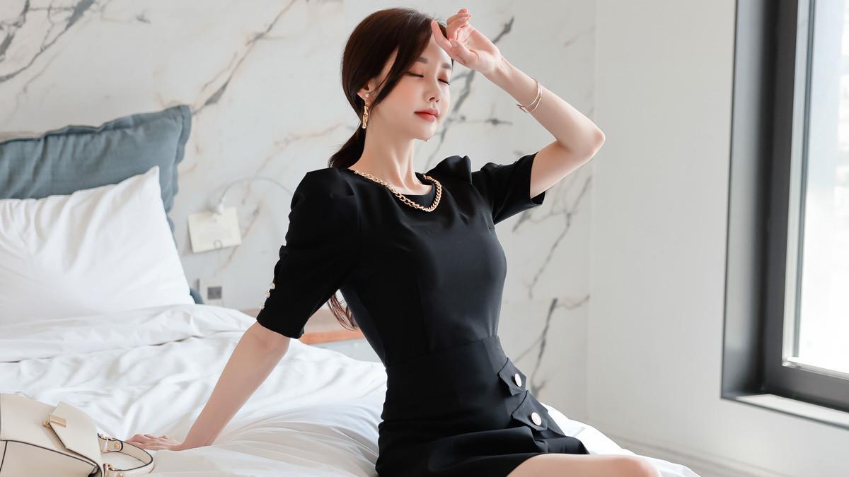 2021年7月7日最新孙允珠时尚写真:古典油墨都市华丽绅士半袖裙,穿出优雅姿态,个性十足