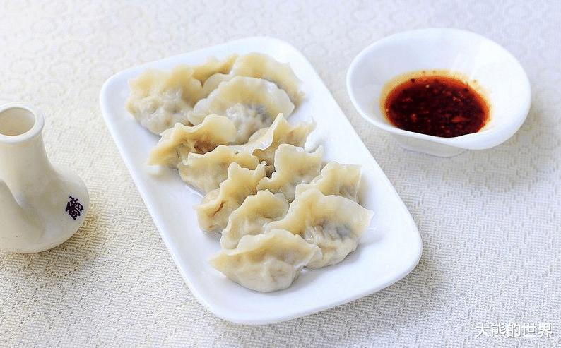 """调饺子肉馅,不能乱放调料,记住""""两放一不放"""",饺子又嫩又香"""
