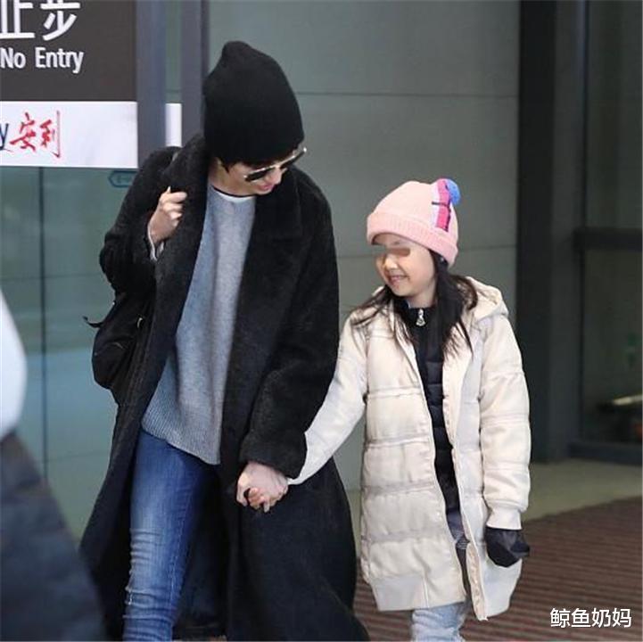 吴京给二娃取名吴老二,以为够随意了,直到看到夏雨女儿名字:绝