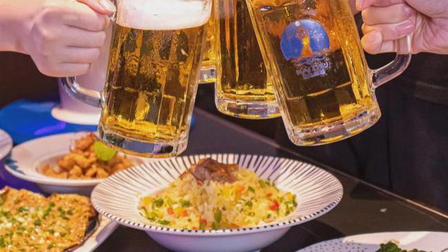 1h从工厂到餐桌!来自珠海夏日的冰爽生啤之旅,太爽爽爽了!