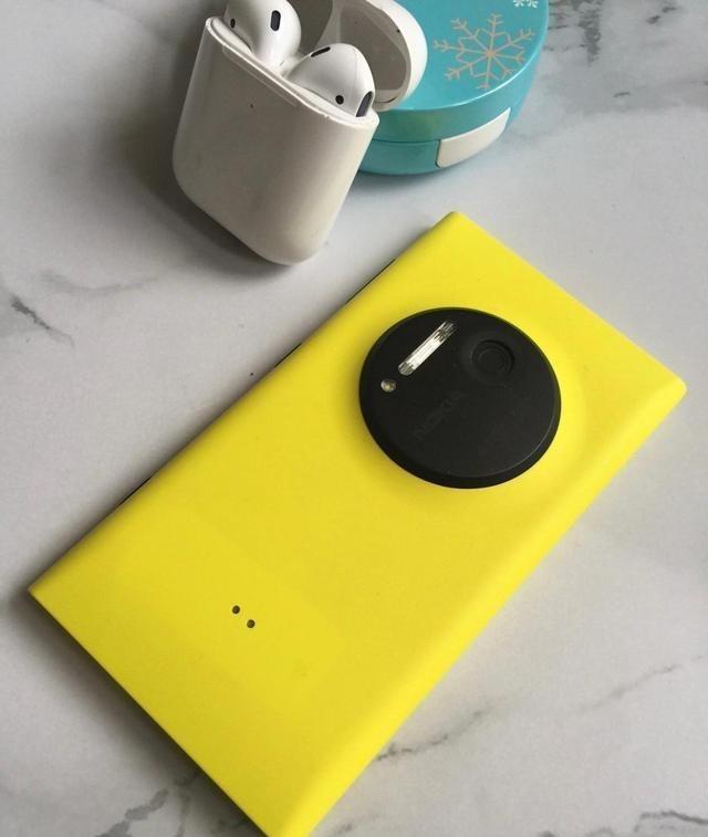 手机历史上谁颜值最能打?我认为诺基亚N9能排前三,比肩iPh