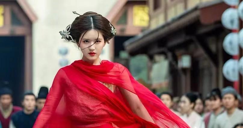 """《荣耀》还在霸屏,新剧又搭档赵露思,杨洋你是""""顶流收割者""""吗"""