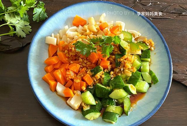 三伏天流汗多,记得多吃这道凉拌菜,清凉消暑营养高,轻松过三伏