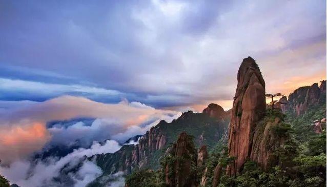 三清山巨蟒峰的是濒危景点,峰顶上有甚么,竟有人不吝价