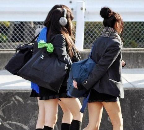 1996年,2名日本少女去废弃的旅馆练胆,结局令人唏嘘