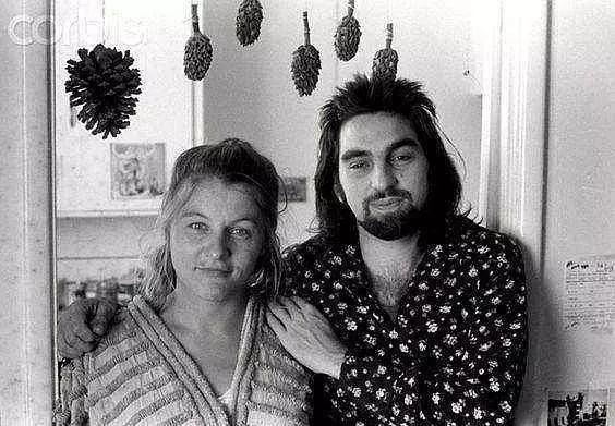 看了莱昂纳多爸妈的照片,才发现遗传真是玄学,绝色都是负负得正