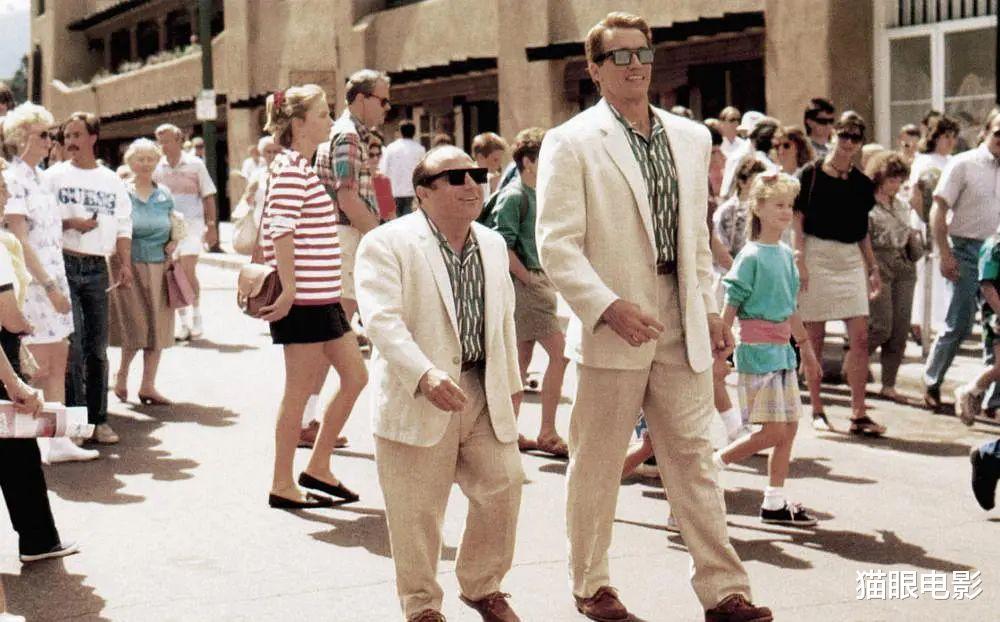 """4岁施瓦辛格33年后拍续集,双胞胎变3胞胎,网友:这都能续上"""""""