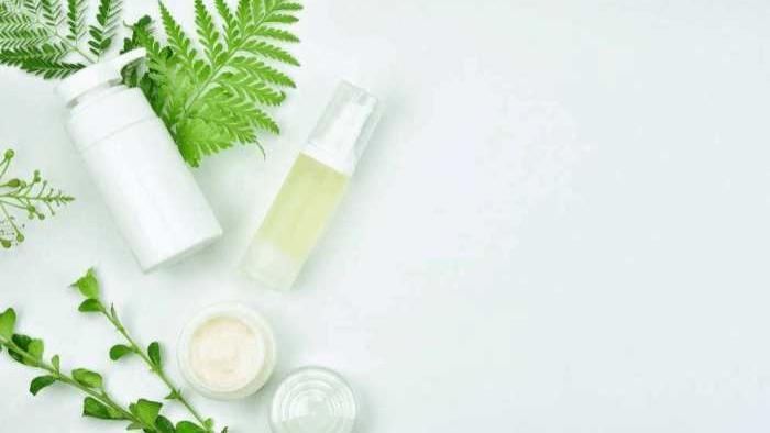 秋季敏感性皮肤问题频发该怎样日常护理?推荐几个敏感肤质的护肤技巧【实用贴必读】