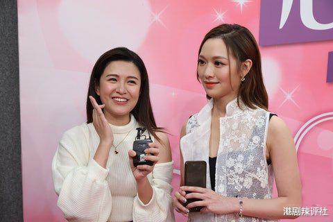 TVB小花放言八年内夺视后,不担忧被新人逾越,强敌冯盈