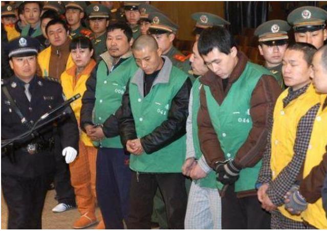 海口黑帮毁灭记(终局),最初一位正犯就逮,2002年枪毙6人