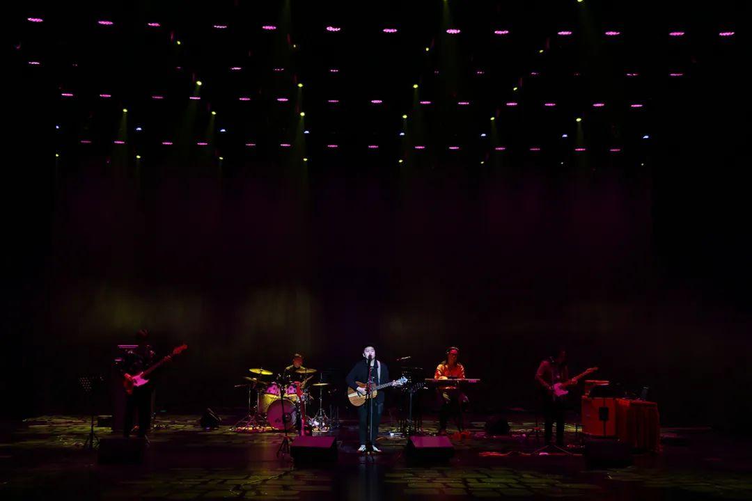 音乐唱作人马卡龙新歌《表达方式》即将上线,首次担纲制作人