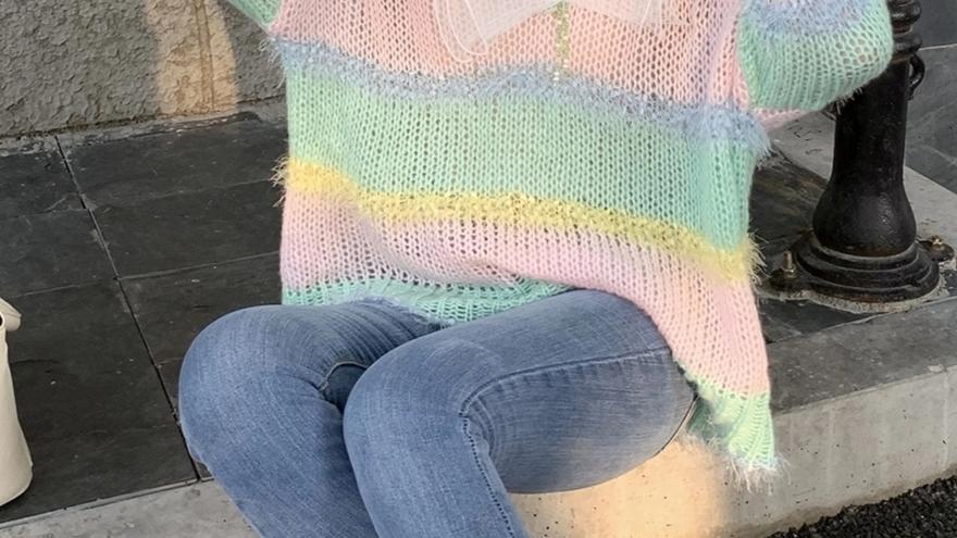 秋季宽松彩虹条纹针织衫上衣