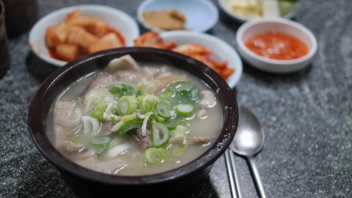 韩国猪肉汤饭介绍/历史由来  大家都说「去釜山吃猪肉汤饭」但发迹地其实不是釜山?哪里的猪肉汤饭最美味?