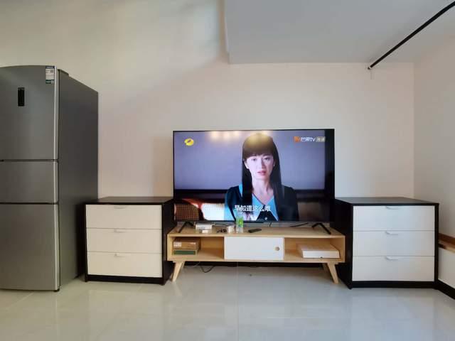 再看85英寸电视,电视柜至少需要1.9米长,高度则有1 数码科技 第3张