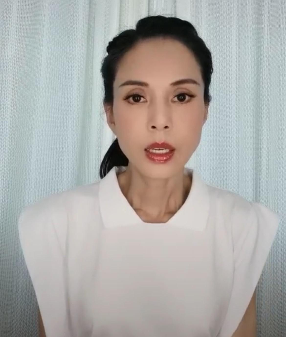 54岁李若彤近况暴光,晒为河南发声视频,数次呜咽含热泪