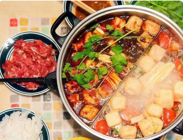 郭晶晶公公晒晚餐,网上引发极大争议,网友:真没我家吃的好