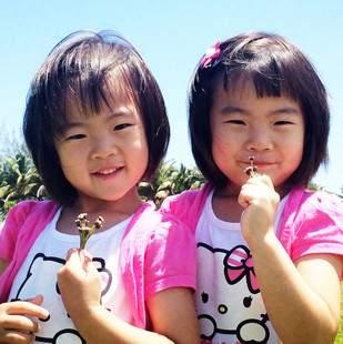 双胞胎小大小二