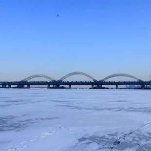 千里冰封江
