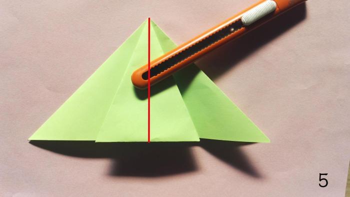 教你手工圣诞树折纸方法步骤图解