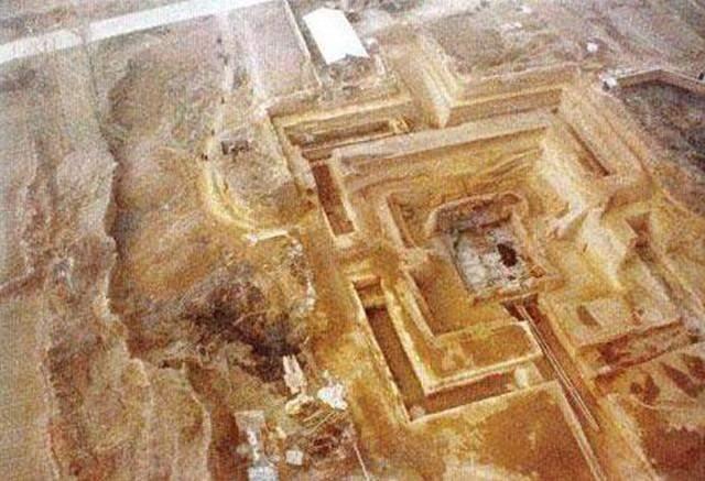 河北一座小山村寸草不生,几千年来没人注意,考古队挖开大喜!