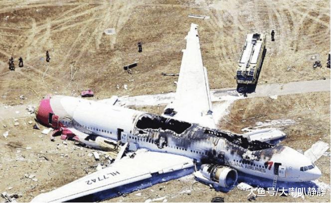 为什么飞机发生意外航空公司宁愿赔光,都不让乘客跳伞求生?(组图)