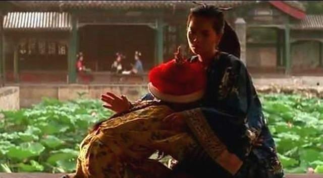 9岁的溥仪被太监耻笑,只因他有一特殊癖好,宫女都羞于启齿