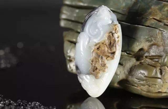 籽料原石与玉雕艺术, 你会选择哪个?