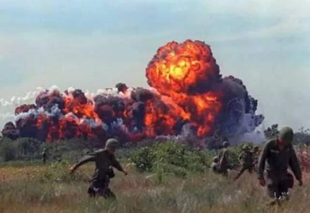 世界上最恐怖的武器,美国二战时对日本使用,一晚上10万人死亡