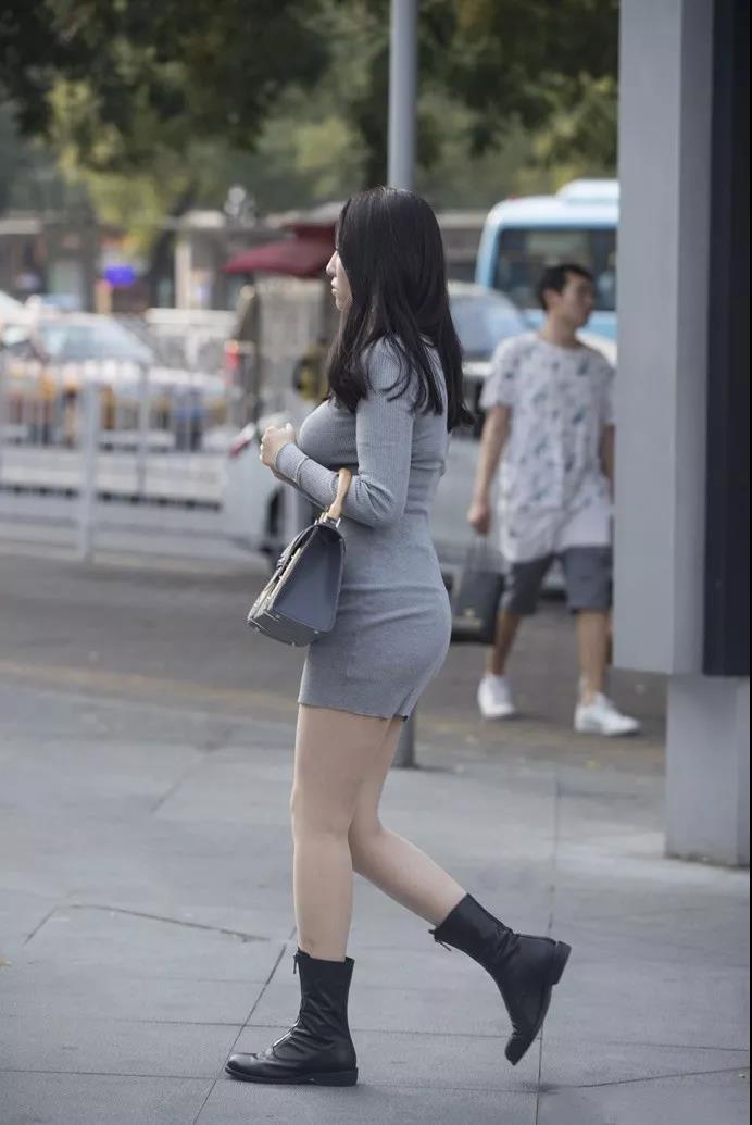 街拍:丰腴界,她认第二,谁敢认第一?