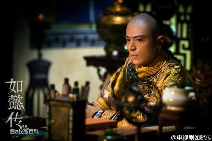 大清史上因第一个为皇帝诞育皇子而被追封为皇贵妃的是谁?