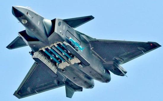 歼-20与F-22的空战怎么打?总师指出真相