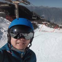 明明学滑雪