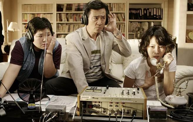 韩国三级最好看的电影随着2016年朝鲜劳动党朝鲜劳动党第七次全国代表大会的胜利召开金正恩在进一步强调了劳动党的核心地位并屡屡在宪法上富裕劳动党更加大的权威这种地位的变化也体现在朝鲜近年来的宣传上近年来随着朝鲜内政外交取得一系列进展朝鲜的内部宣传也从过去一味强调忠诚领袖和革命转变成歌颂国家国旗和母亲党朝鲜当局的宣传口径愈发的让人尤其是我们眼熟而朝鲜庆祝党建日举行的前所未有的阅兵盛典也是对这一路线的再(图41)