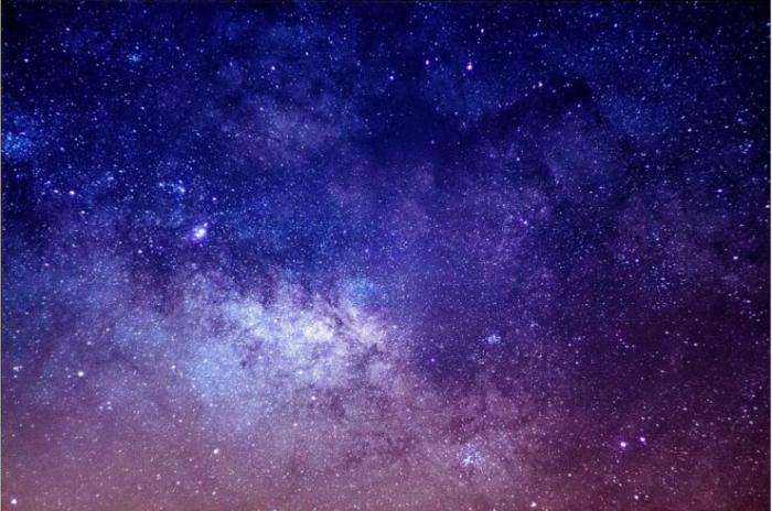 【美甲教程】指尖闪耀着星辰宇宙!看了就能完成的星空美甲教学&造型特集(图1)