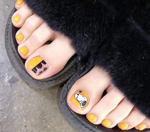 2020年夏季脚指甲油颜色搭配,快抓住夏季的尾巴吧!(图3)