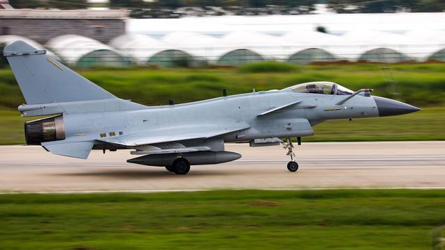 """F-35被雷达""""活捉"""",美媒:伊朗还将购买空警-500和歼-10C"""