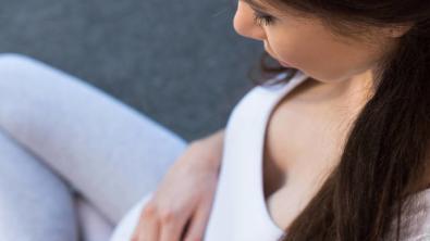 孕妇的肚子不要总摸,有时不会起到安抚宝宝的作用,还会适得其反
