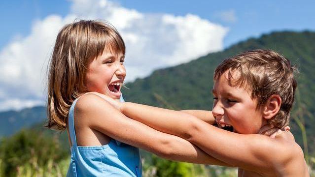 玻璃心、敏感爱哭,这些出现在孩子身上的问题,可能是这三点所致