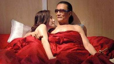跟谢贤同居12年的小女友coco,分手后拿2000万走人,今混得如何?