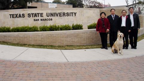 中国在美留学生面临驱逐,已有一所大学开始行动,限一个月内离境