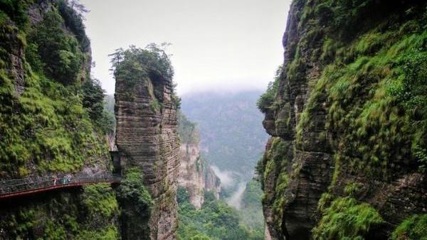 """浙江又一名山走红,以奇秀风光闻名于世,被誉为""""东南第一山"""""""